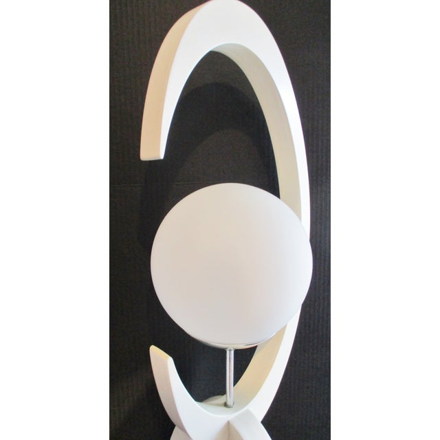 1974 Large Mid-Century Modern White Lacquer Double Globe Lamp by Modeline For Sale In Miami - Image 6 of 9