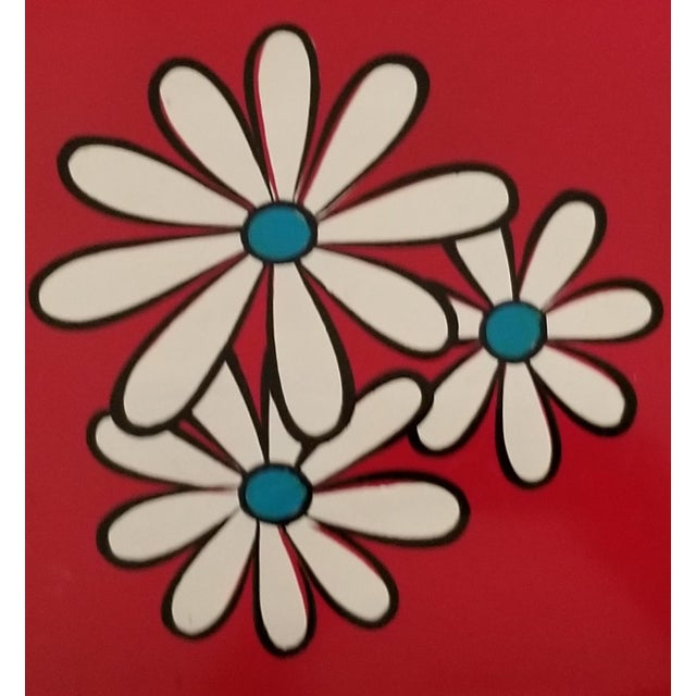 Pop Art 20th Century Pop Art Red Lacquer Serving Tray With Daisies For Sale - Image 3 of 7