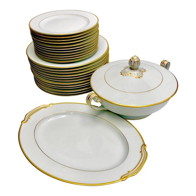 Mid-Century 1940s Noritake Goldcroft China - Set of 25 For Sale