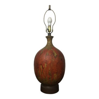 Mid Century Modern Brown and Orange Pottery Table Lamp For Sale