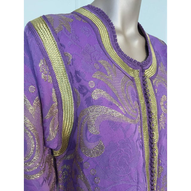 Gold 1970s Lavender and Gold Brocade Maxi Dress Caftan, Evening Gown Kaftan For Sale - Image 8 of 10