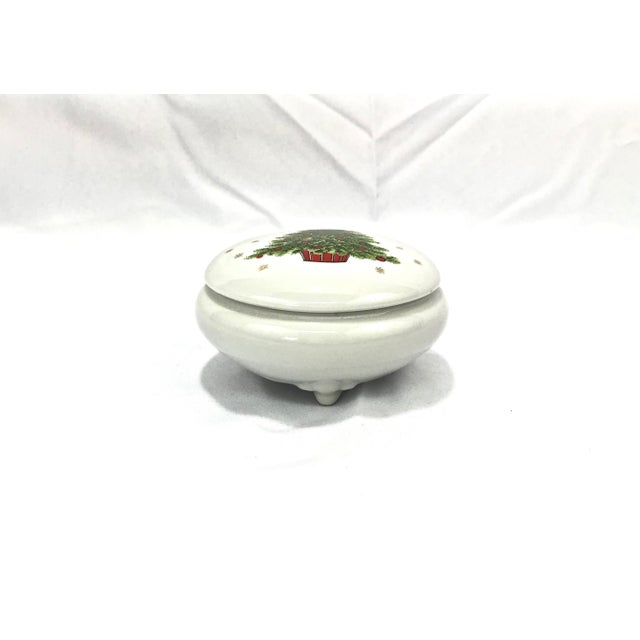 Mid 20th Century Christmas Tree Porcelain Box For Sale - Image 5 of 9