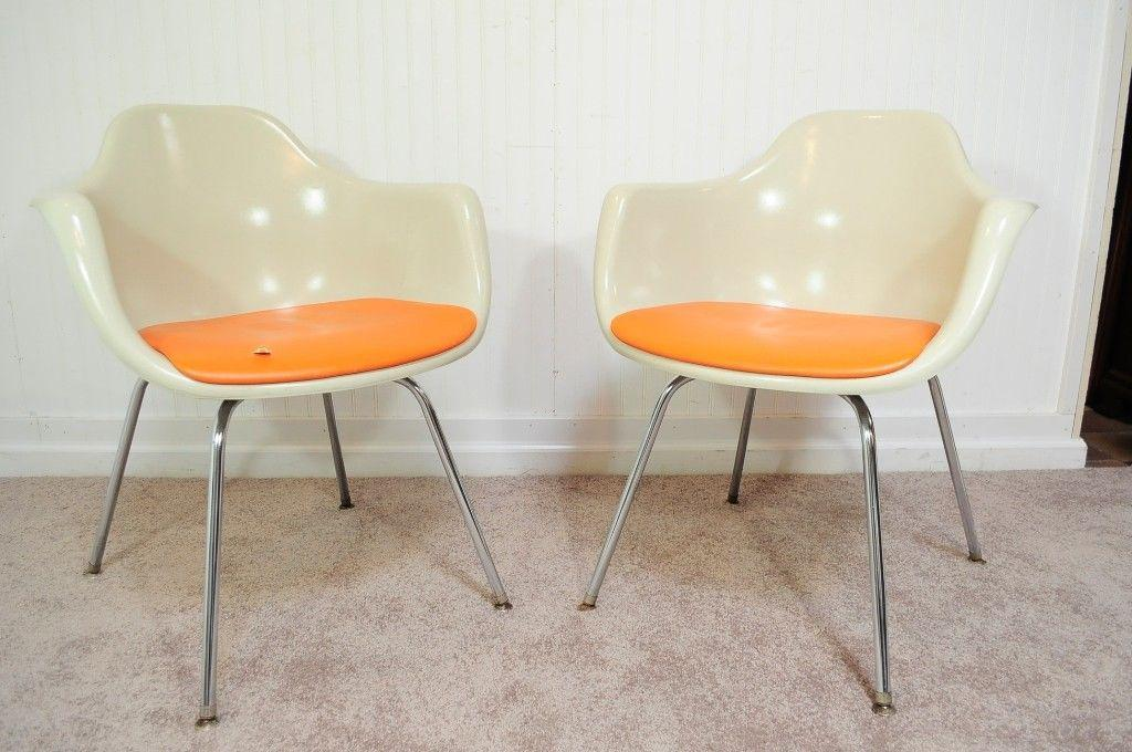 Vintage Pair Of Krueger Arm Chairs Mid Century Modern Fiberglass Shell  Dining