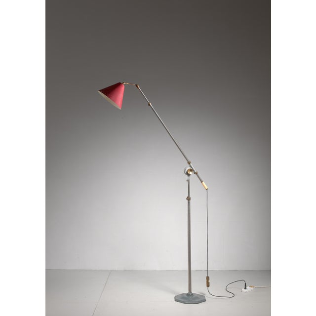 Industrial Large 1950s adjustable metal floor lamp that can reach to 155 inch height For Sale - Image 3 of 6