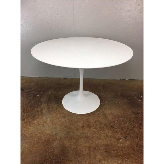 Eero Saarinen Tulip Dining Table & 4 Tulip Chairs Set For Sale - Image 10 of 11