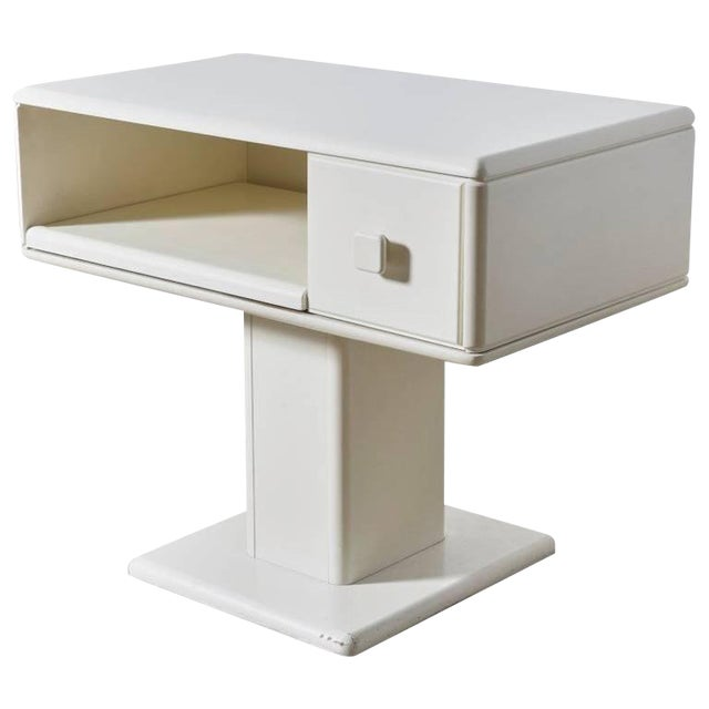 Adjustable White Counter Display, Vanity Table, Made in Italy For Sale