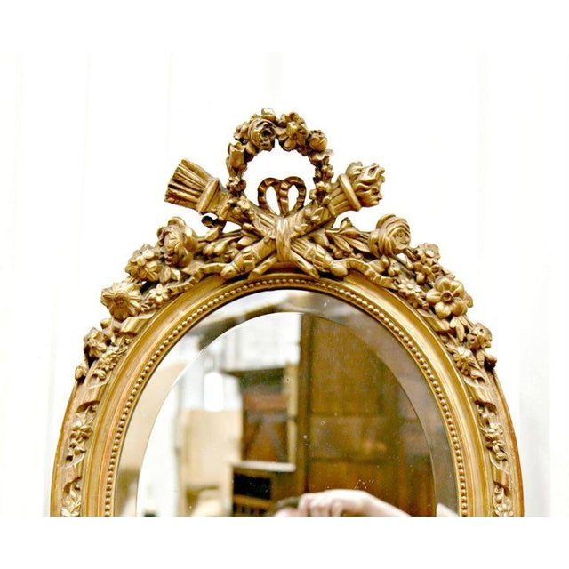 Giltwood 19th Century French Louis XVI Style Carved Oval Giltwood Mirror For Sale - Image 7 of 8