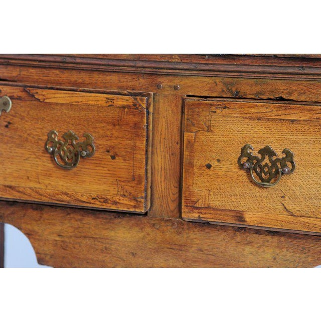 English Early 19th Century Oak Three Drawer Dresser Base For Sale - Image 4 of 13