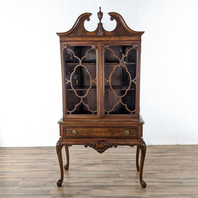 Brown 1920s Berkey & Gay Mahogany China Cabinet For Sale - Image 8 of 8