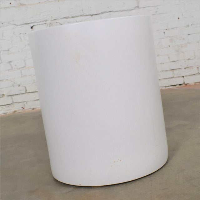 Mid-Century Modern Vintage Mid Century Modern Architectural PotteryWhite Cylindrical Pot For Sale - Image 3 of 12