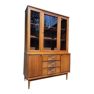 Vintage Mid Century Bassett Dining China Cabinet Hutch For Sale