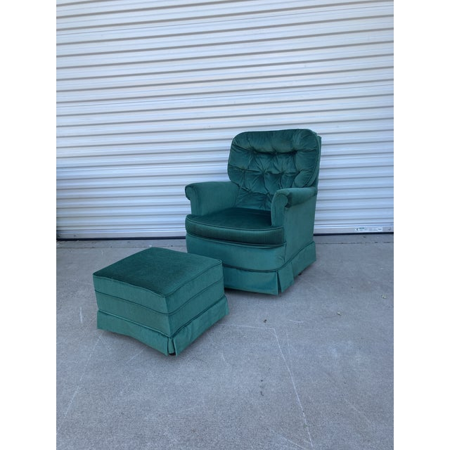 1970s Vintage Broyhill Emerald Green Chair and Ottoman For Sale - Image 5 of 13