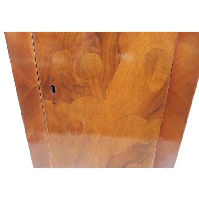 Traditional Burlwood Pedestal - Image 7 of 8