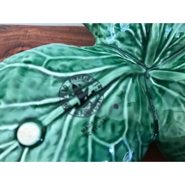 1990s Mediterranean Bordallo Pinheiro Majolica Green Cabbage Serving Tray For Sale - Image 4 of 6