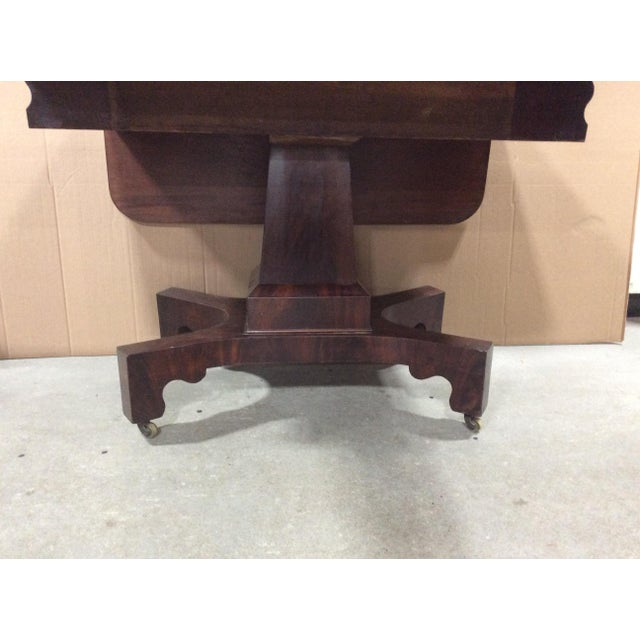 19th Century American Classical Mahogany Drop Leaf Table For Sale - Image 4 of 9