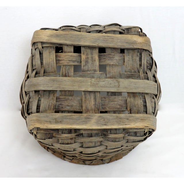 Wood 1900s Country Style Gray Basket For Sale - Image 7 of 13