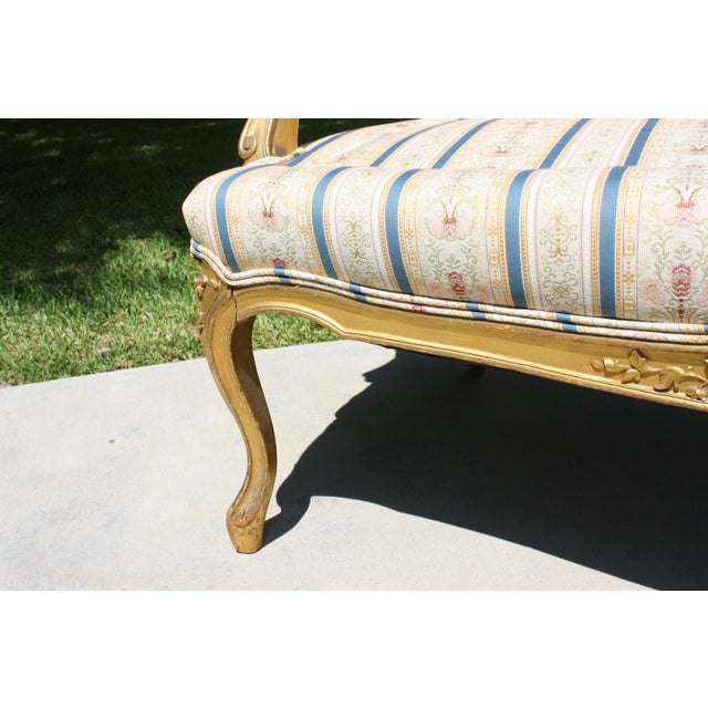 Early 20th Century French Louis XV Style Giltwood Settee - Image 9 of 11