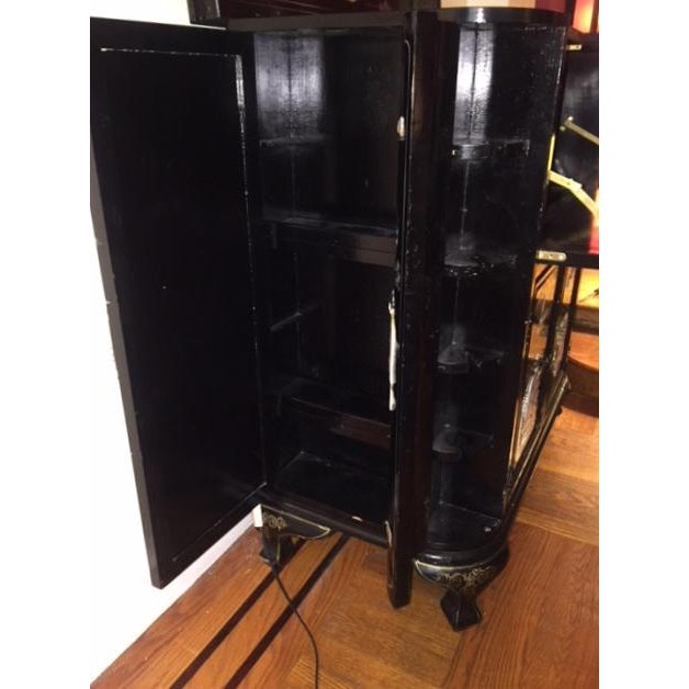 Regency Black Lacquer Chinoiserie Bar Cabinet For Sale In New York - Image 6 of 10