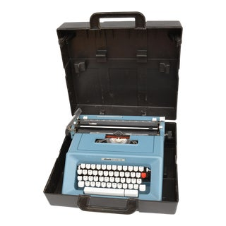1970s Olivetti Studio 46 Suitcase Typewriter by M. Bellini, Spain For Sale