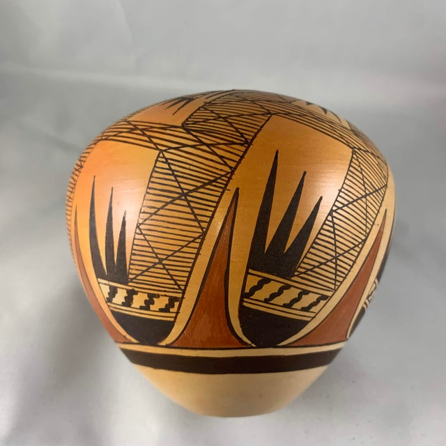 Late 20th Century Miriam Nampeyo Hopi Polychrome Seed Pot For Sale - Image 4 of 9