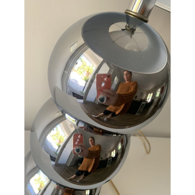 1970s Silver Chrome Stacking Ball Table Lamp in the Manner of George Kovacs For Sale - Image 9 of 11