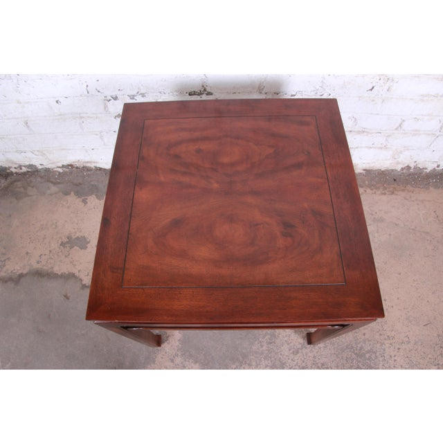 Asian Henredon Hollywood Regency Chinoiserie Burl Wood and Mahogany Side Table For Sale - Image 3 of 7