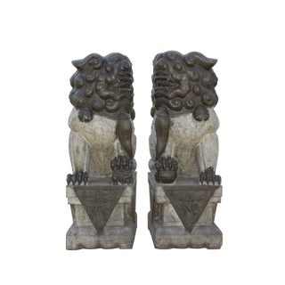 Pair Chinese Gray Black Stone Handcraved Foo Dog Feng Shui Statue For Sale