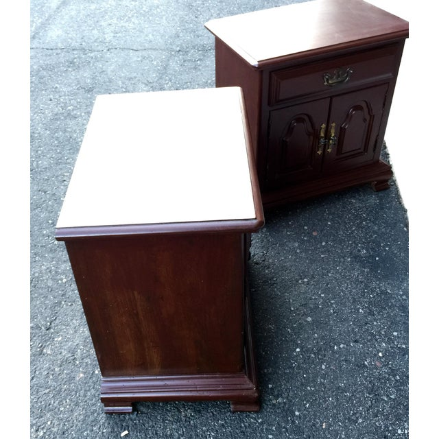 Kling Colonial Mahogany Wood Nightstands - A Pair - Image 8 of 11