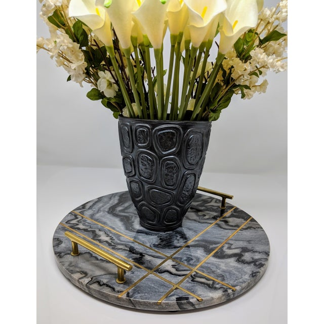Contemporary Gray Marble and Brass Circular Tray For Sale - Image 3 of 13