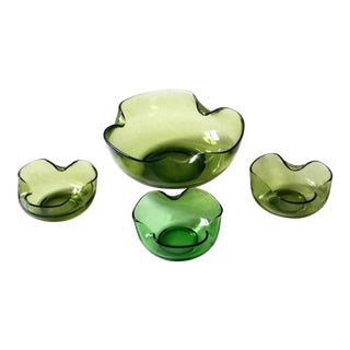 1960s Mid-Century Modern Green Art Glass Snack Serving Bowls - Set of 4 For Sale