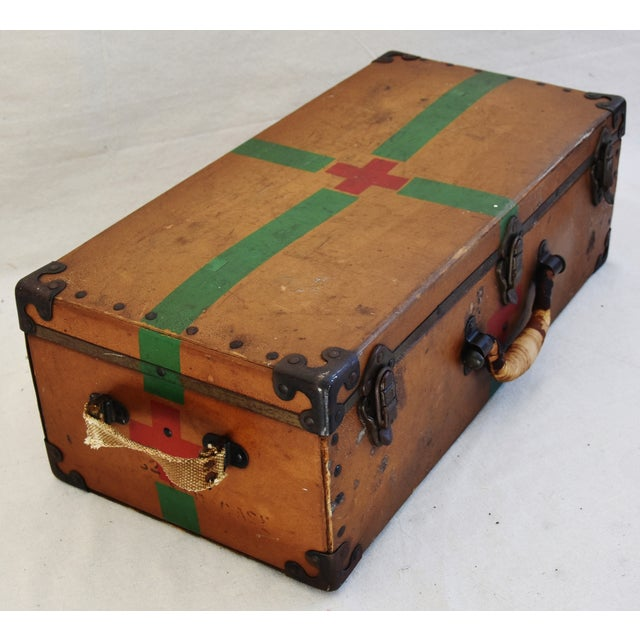Circa 1940s Military Medical Suitcase w/ Cross For Sale - Image 5 of 11