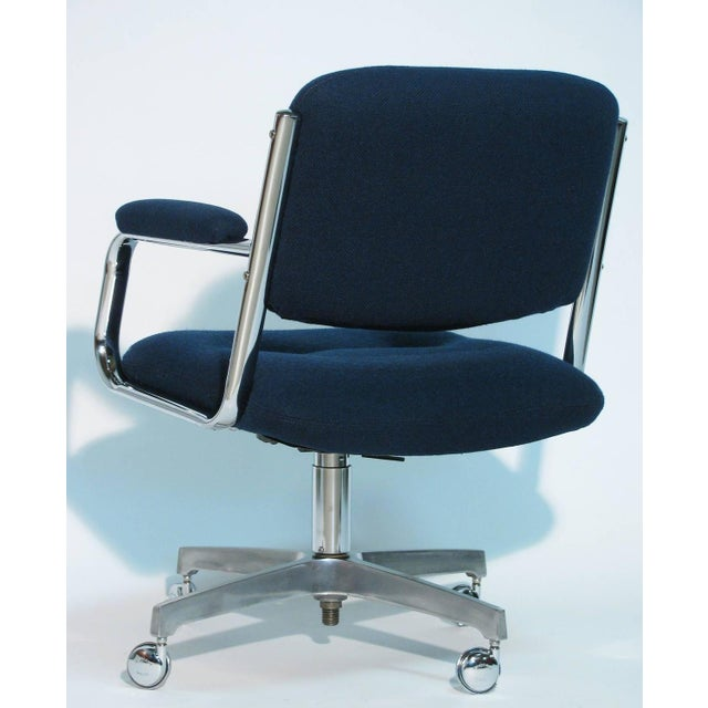 Chromcraft Rolling Swivel Armchairs - A Pair - Image 4 of 9