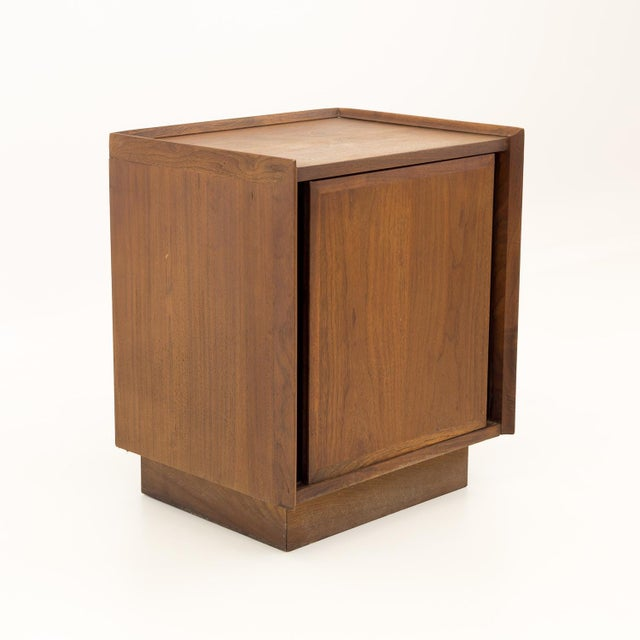 Mid Century Modern Dillingham Nightstand For Sale - Image 10 of 10
