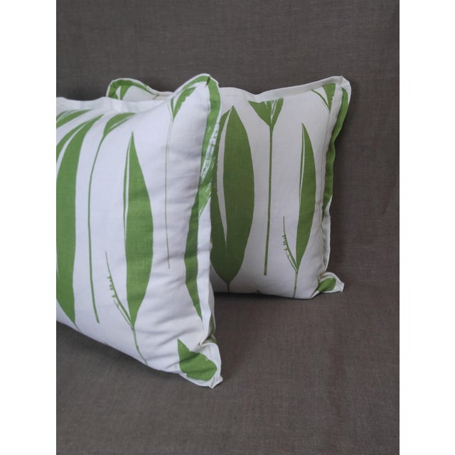 Abstract Raoul Textiles Throw Pillows in Variegata Linen Print - a Pair For Sale - Image 3 of 6