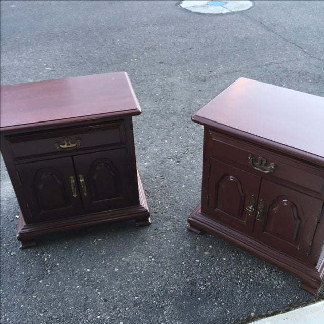Kling Colonial Mahogany Wood Nightstands - A Pair - Image 5 of 11