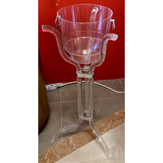 Dorothy Thorpe Dorothy Thorpe Lucite Stand and Champagne Bucket For Sale - Image 4 of 9