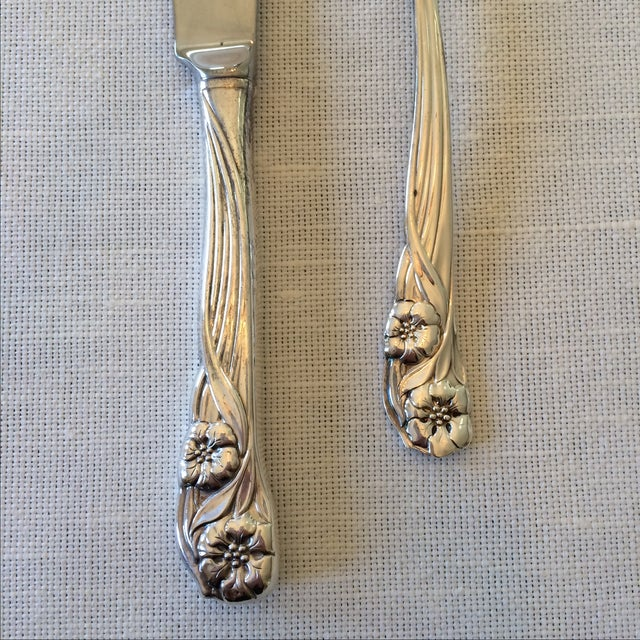 Oneida Trillium Silverplate Service for 6 Flatware - Image 3 of 10