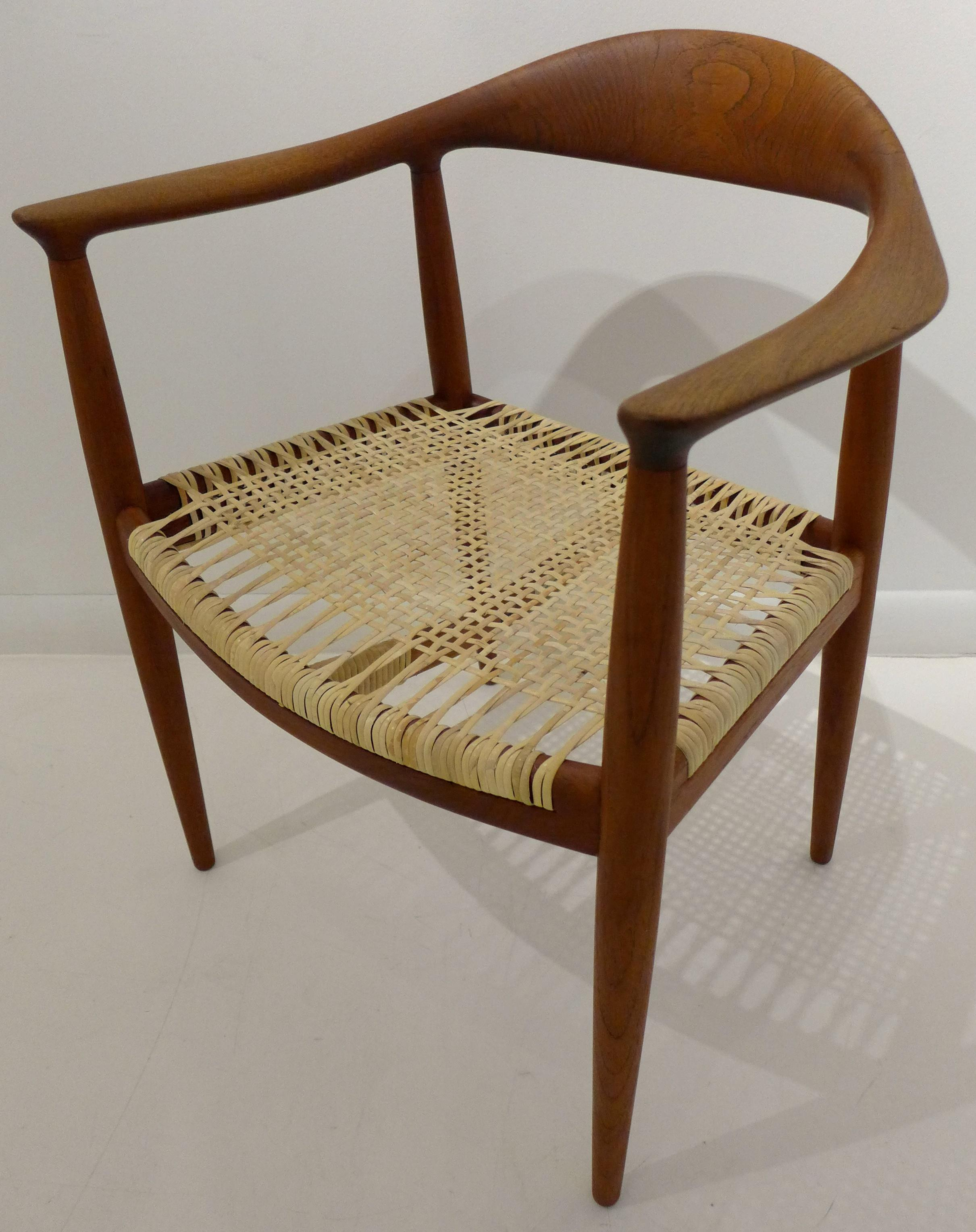 Matched Set Of Six Hans Wegner Round Chairs In Teak   Image 3 Of 10