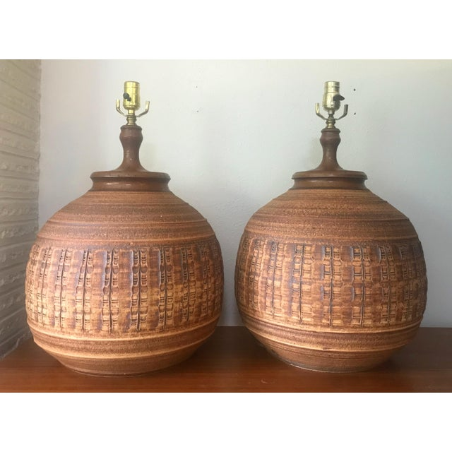 Ceramic Bob Kinzie for Affiliated Craftsman Pottery Lamps - A Pair For Sale - Image 7 of 7