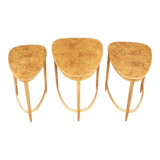 Swedish Nesting Tables in Bookmatched Elm Root by Bodafors, 1940s - Set of 3 For Sale