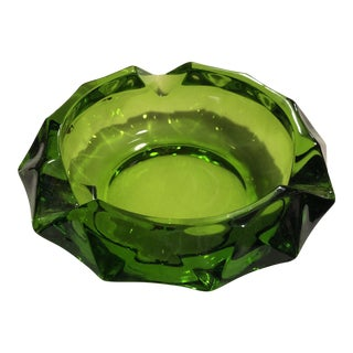 Vintage 1960s Emerald Green Glass Ashtray For Sale