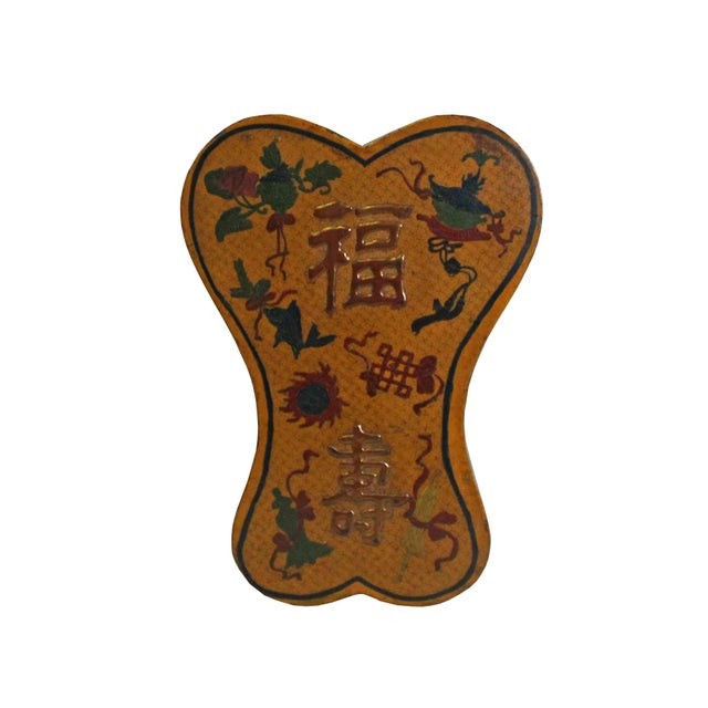 Chinese Distressed Yellow Lacquer Chinoiserie Ribbon Shape Treasure Box For Sale In San Francisco - Image 6 of 6