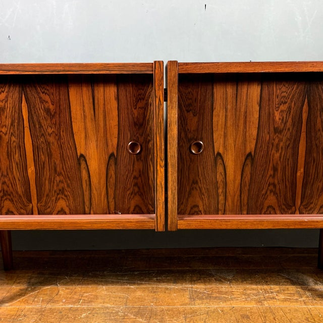 Randers Møbelfabrik Peter Sorenson Double Low Rosewood Credenza, Denmark 1950s For Sale - Image 4 of 11
