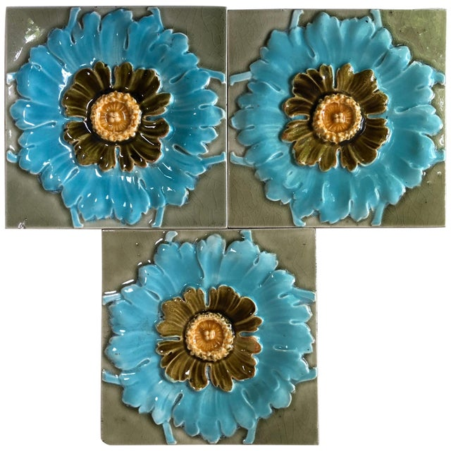 French Majolica Flowers Tiles, circa 1890 For Sale In Austin - Image 6 of 6