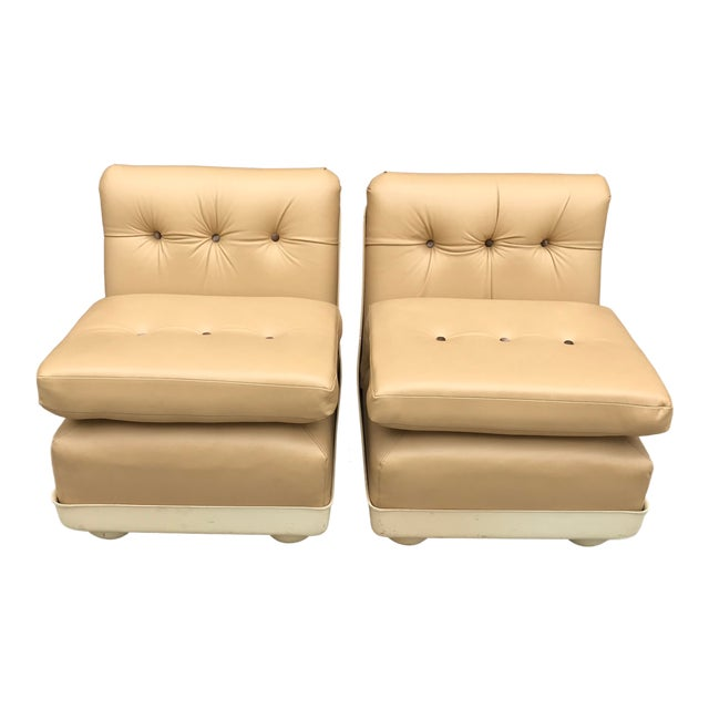 Vintage Mid Century Modern Mario Bellini for B&b Italia Amanta Chairs Newly Upholstered - Set of 2 For Sale