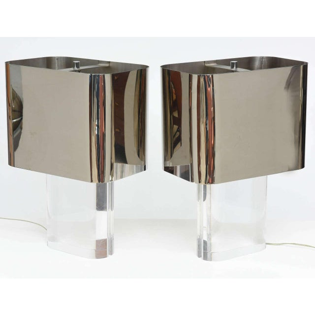 American Modern Pair of Lucite and Polished Chrome Lamps, Karl Springer For Sale In Miami - Image 6 of 8