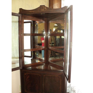 1930s Vintage Mahogany Corner Cabinet with String Inlay Preview