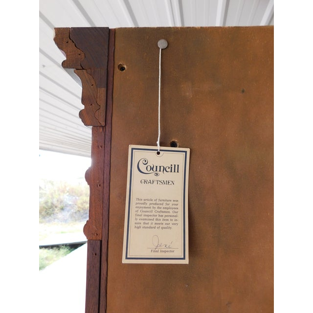 Gold Councill Craftsmen Mahogany Chippendale Style Lighted Corner Cabinet For Sale - Image 8 of 13