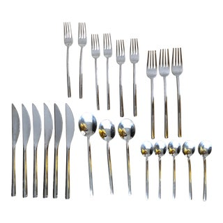 Modern Mepra Due Italian Flatware- Set of 23 For Sale