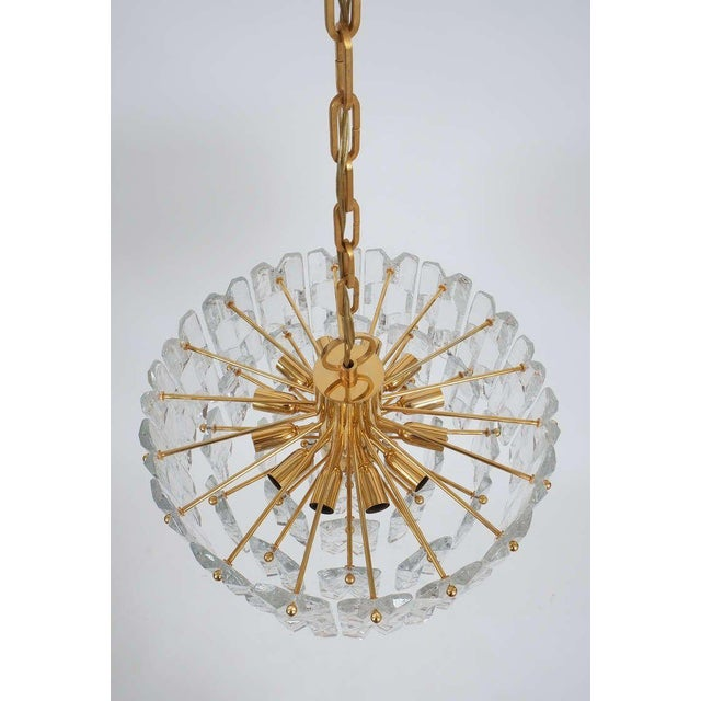 Brass J.T. Kalmar Gold Brass Tiered Crystal Glass Chandelier Palazzo Lamp, circa 1960 For Sale - Image 7 of 10